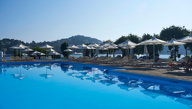 Louis Corcyra Beach viesnīca (Korfu, Grieķija)